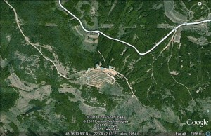 Google Earth snimak sa geografskim koordinatama